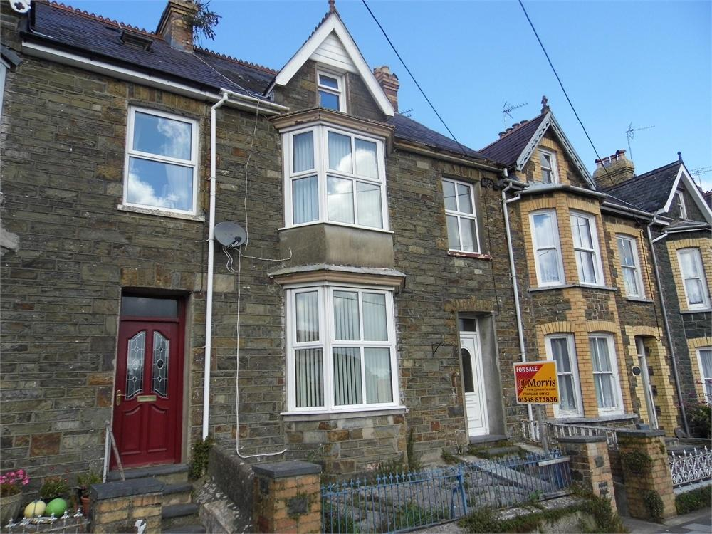 5 Bedrooms Terraced House for sale in 8 Penslade Terrace, Fishguard, Pembrokeshire