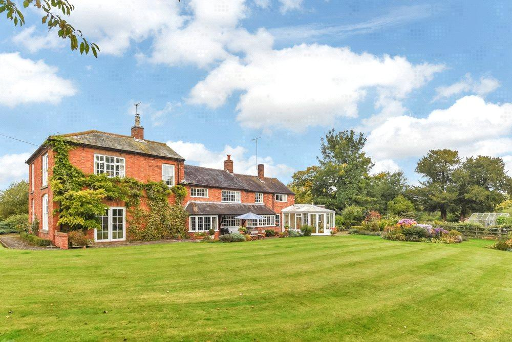 4 Bedrooms Detached House for sale in Uttoxeter, Staffordshire