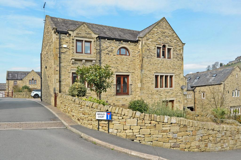 4 Bedrooms Detached House for sale in Wrigley Court, Magdale, Huddersfield