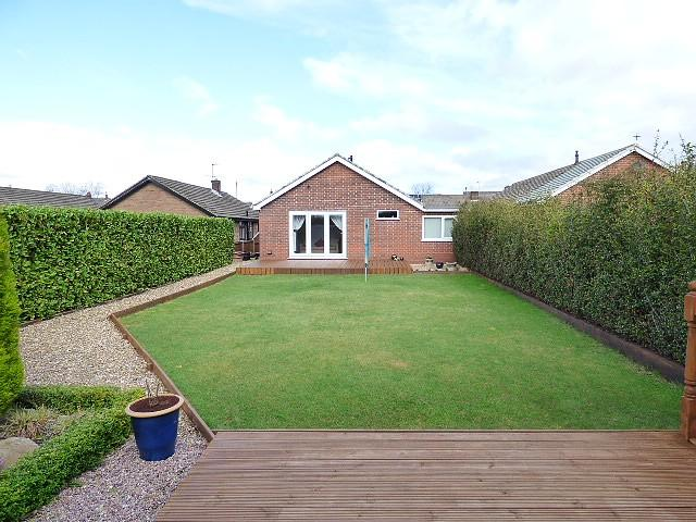 3 Bedrooms Bungalow for sale in Falcondale Road, Winwick, Warrington