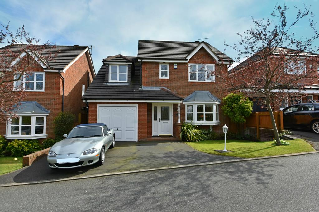 4 Bedrooms Detached House for sale in Parkfield Close, Ormskirk