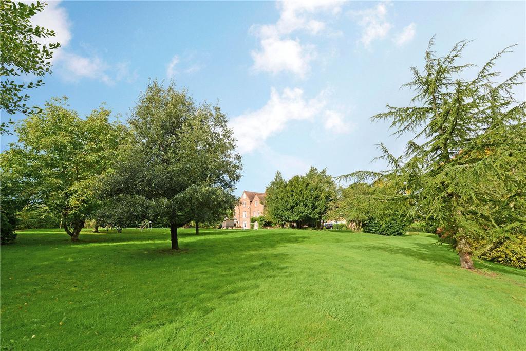 5 Bedrooms Detached House for rent in Lodge Lane, Dutton, Warrington, WA4