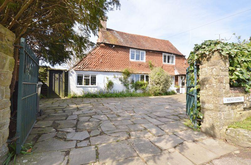 3 Bedrooms Unique Property for sale in Northchapel, West Sussex