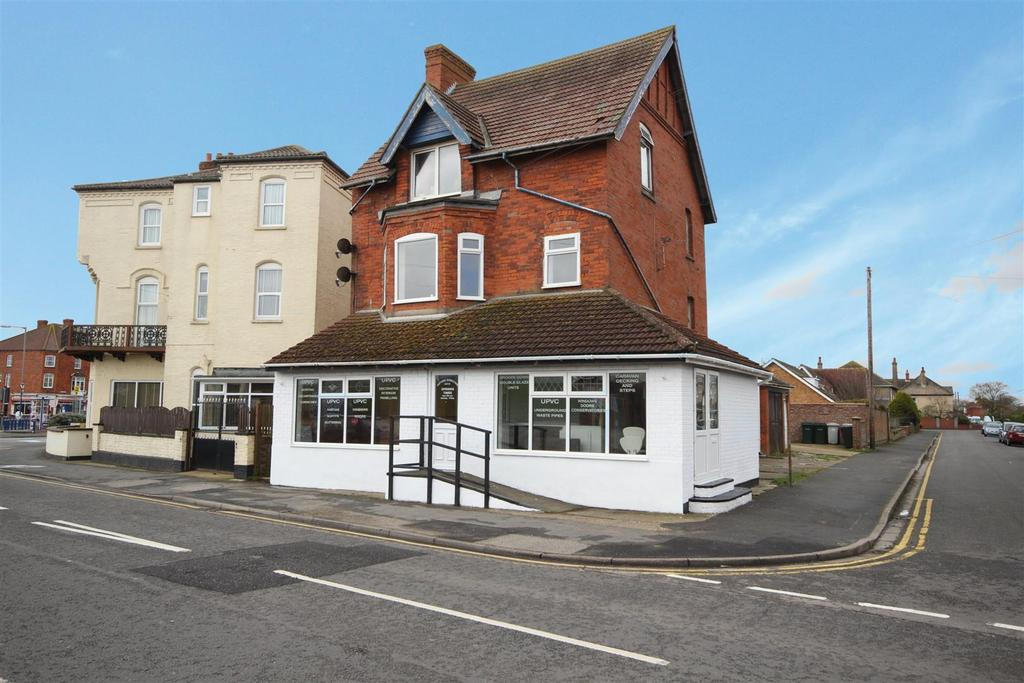 1 Bedroom Flat for sale in Willoughby Road, Sutton-On-Sea, Lincolnshire