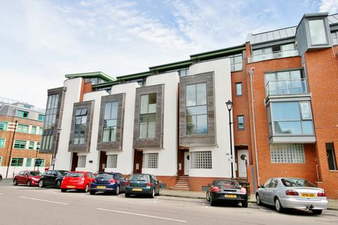 3 bedroom townhouse for sale - Broad Street, Old Portsmouth
