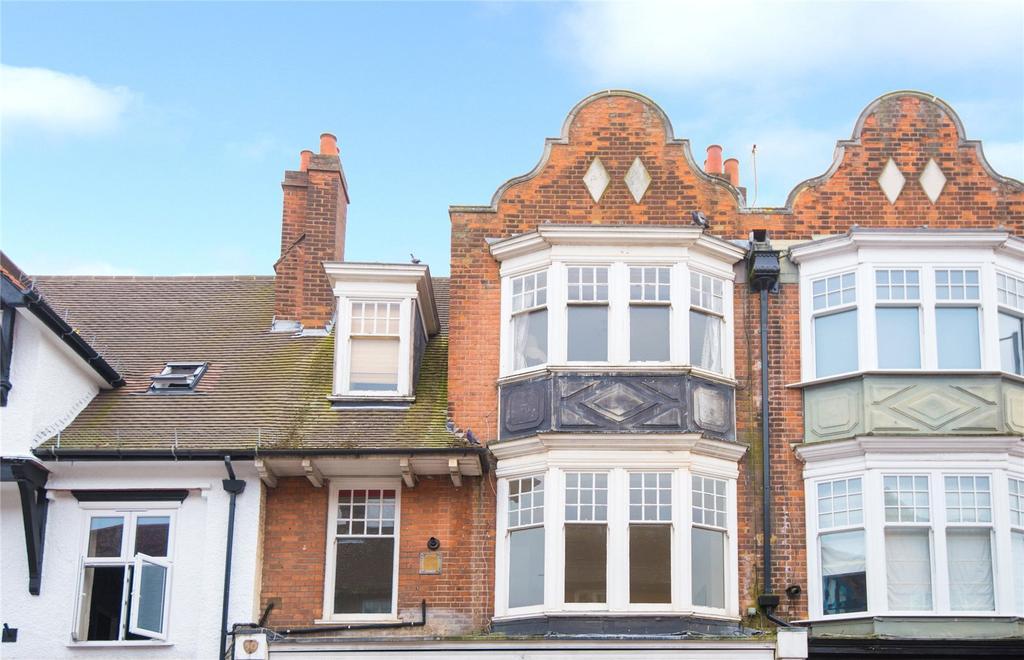 1 Bedroom Flat for sale in Packhorse Road, Gerrards Cross, Buckinghamshire