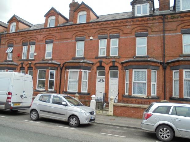 5 Bedrooms Terraced House for sale in Stockport Road, Manchester, M19