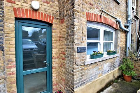 Studio for sale - Queensgate Mews, Beckenham