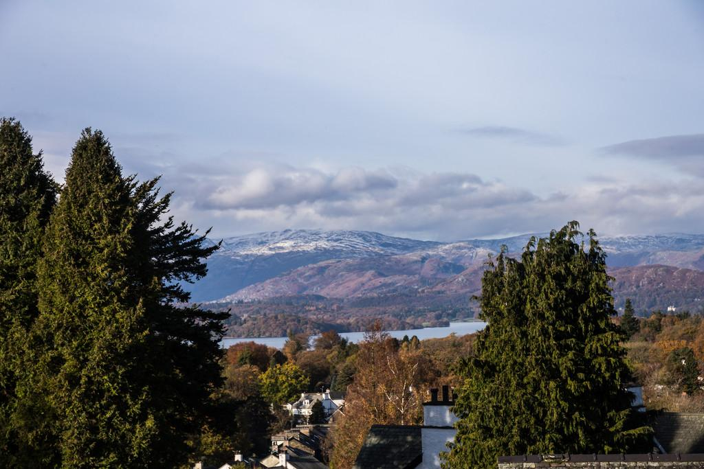 2 Bedrooms Apartment Flat for sale in High Mere, Park Road, Windermere, Cumbria, LA23 2DH