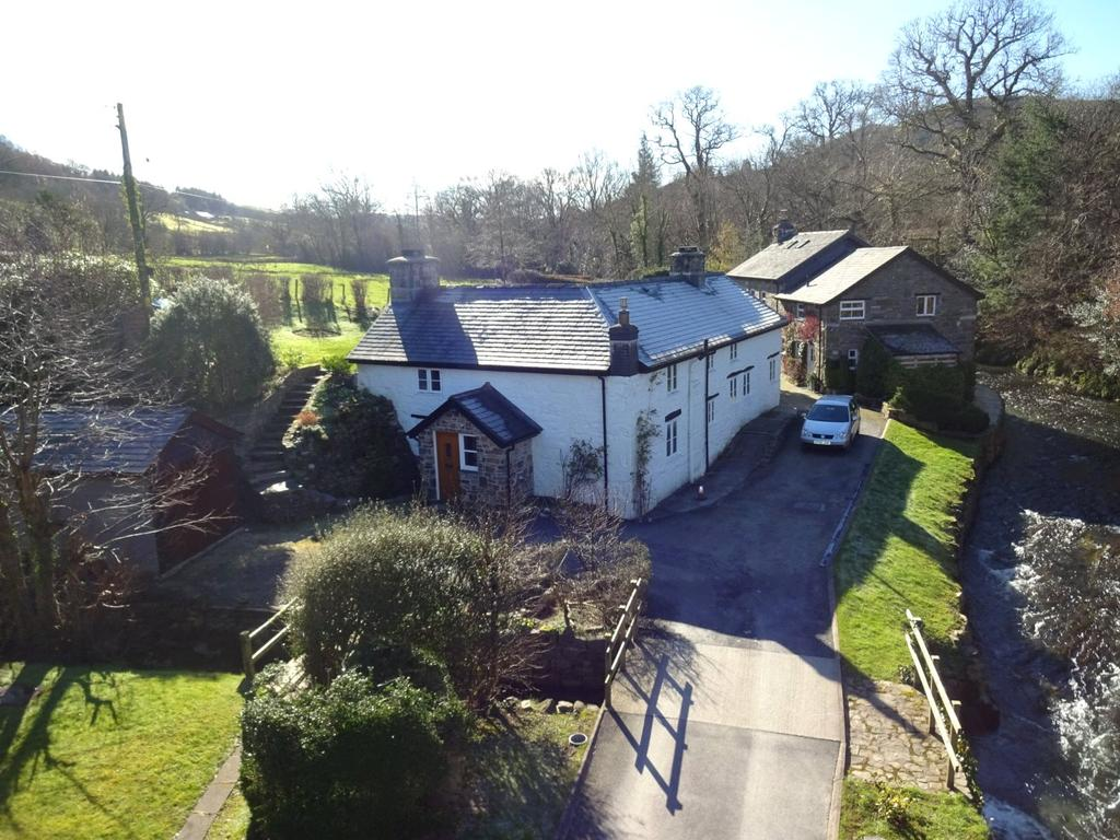 4 Bedrooms Detached House for sale in Bont Dolgadfan, Llanbrynmair, Powys