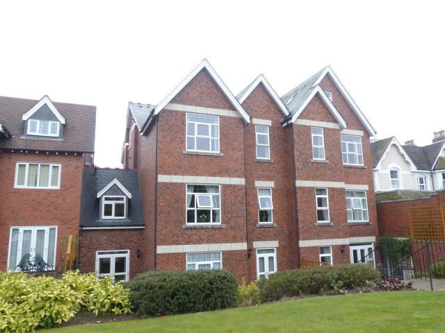 2 Bedrooms Flat for sale in George House,71 Lichfield Road,Four Oaks