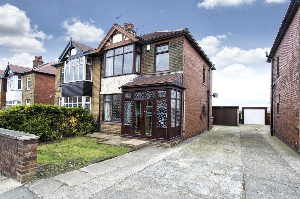 3 Bedrooms Semi Detached House for sale in Leeds Road, Dewsbury, WF12