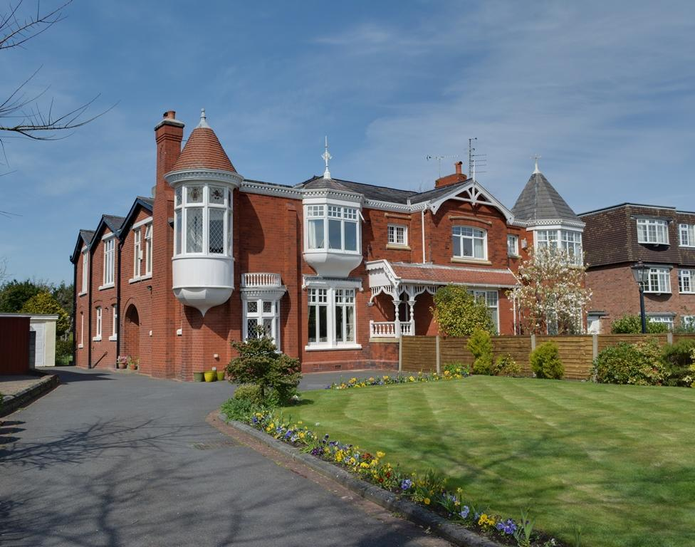 5 Bedrooms House for sale in York Road, Birkdale, Southport, PR8 2AD