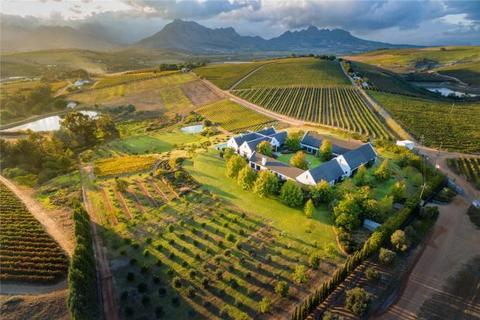 15 bedroom house  - Portion 51 Of Farm 90, Devon Vale, Stellenbosch, Western Cape