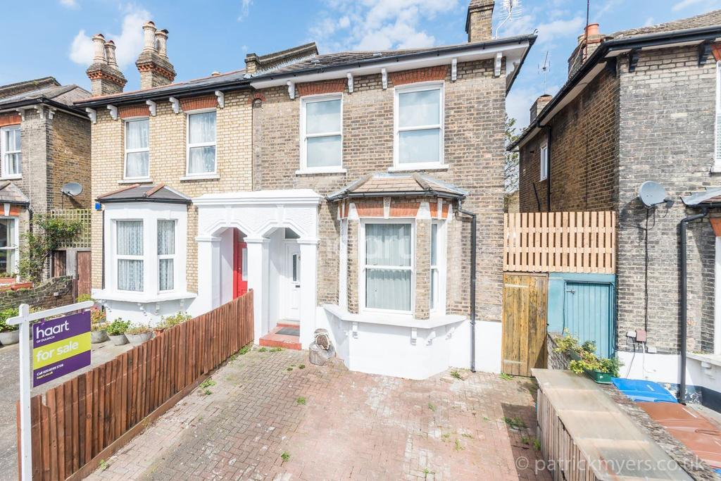 4 Bedrooms Semi Detached House for sale in Ashbourne Grove,East Dulwich, London, SE22