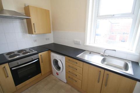 2 bedroom apartment to rent - QUEEN STREET, MORLEY, LEEDS, LS27 8DW