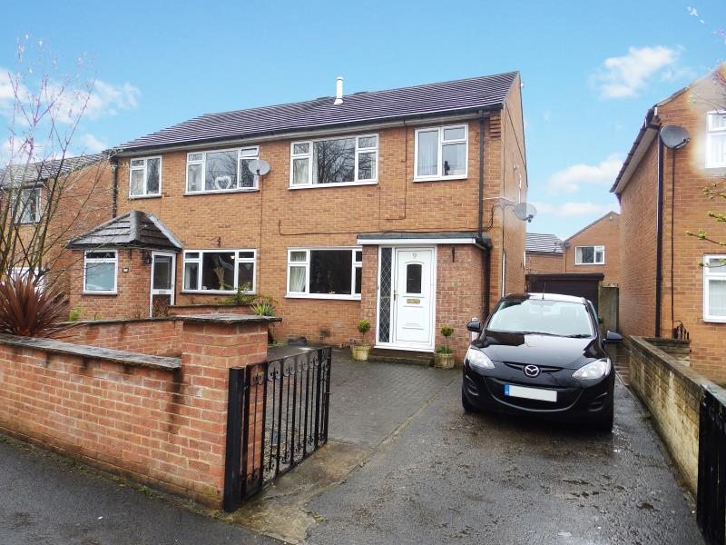 3 Bedrooms Semi Detached House for sale in HILLSHAW PARK WAY, RIPON, HG4 1JU