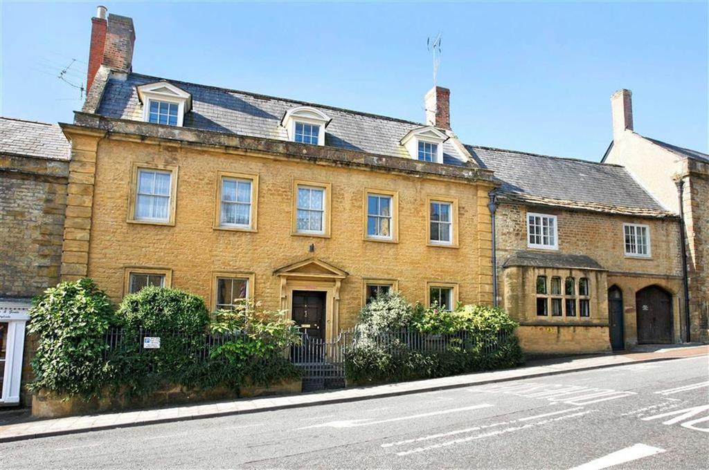 7 Bedrooms Semi Detached House for sale in Church Street, Crewkerne, Somerset, TA18