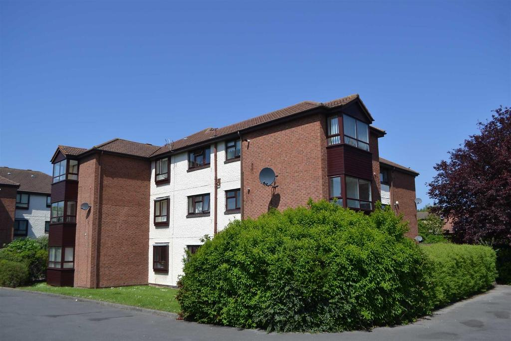 2 Bedrooms Flat for sale in King Henry Court, Downhill, Sunderland
