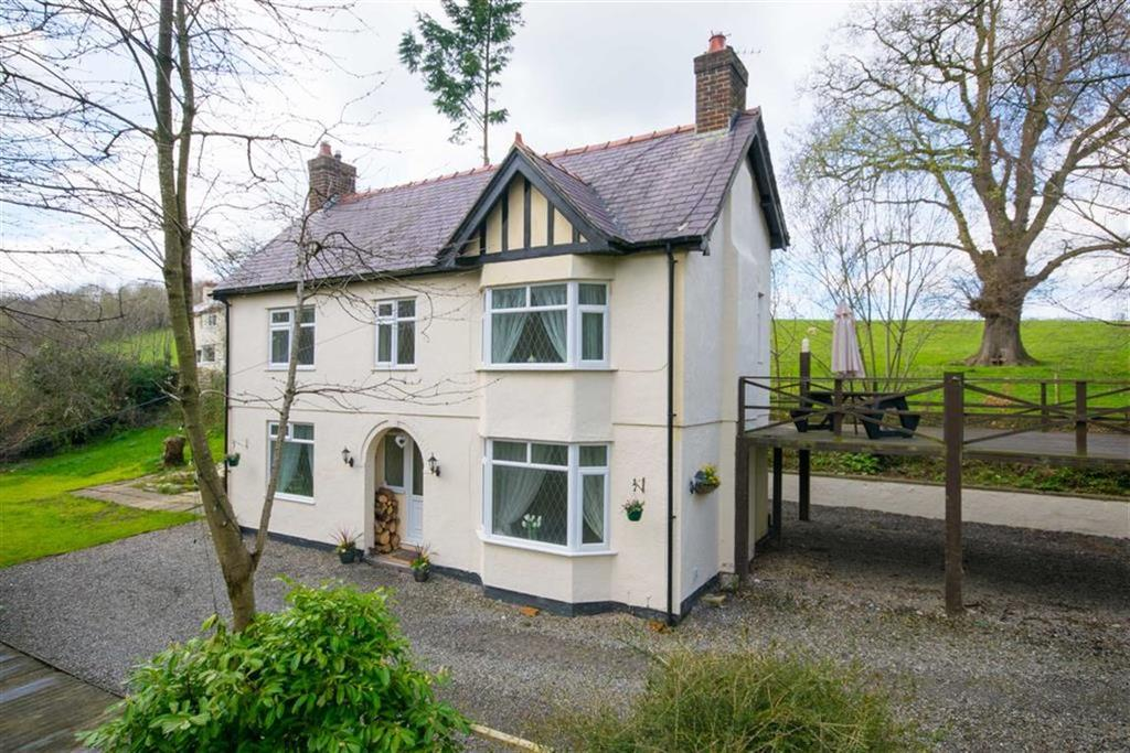 3 Bedrooms Detached House for sale in Llanfwrog, Ruthin