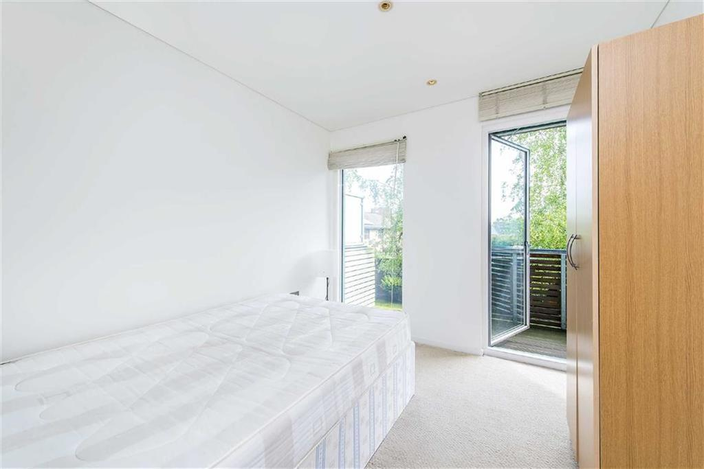 Blueprint apartments balham grove balham 2 bed flat to rent image 7 of 11 malvernweather Choice Image