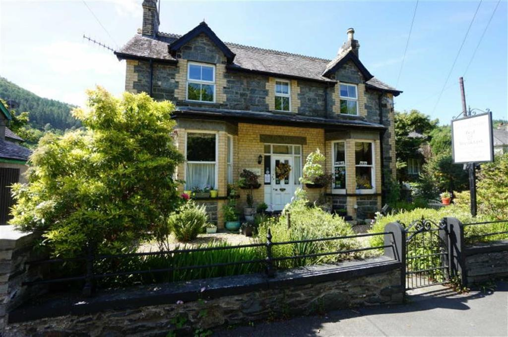 5 Bedrooms Detached House for sale in Holyhead Road, Pentre Du Betws-Y-Coed