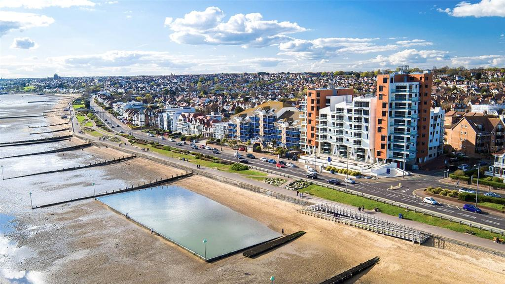 2 Bedrooms Flat for sale in E6, The Shore, 22-23 The Leas, Westcliff On Sea, Essex, SS0