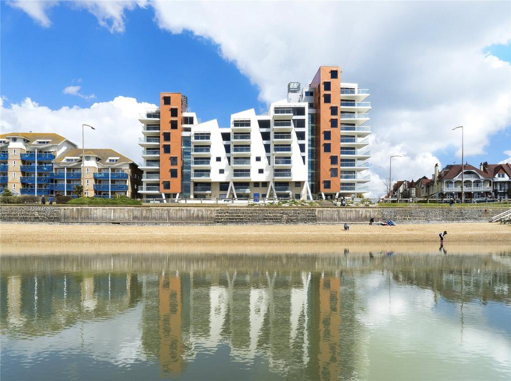2 Bedrooms Flat for sale in E6 The Shore, 22-23 The Leas, Westcliff On Sea, Essex, SS0