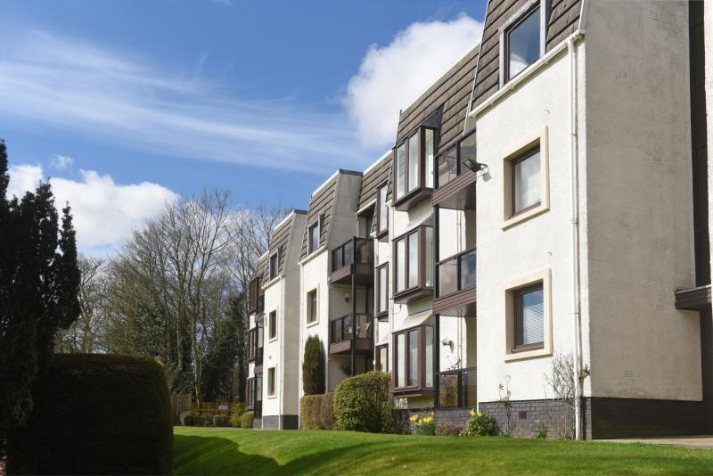 2 Bedrooms Apartment Flat for sale in Guthrie Court, Gleneagles Village, Auchterarder, Perthshire