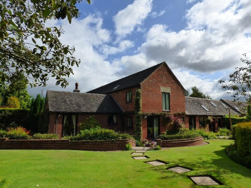 4 Bedrooms Barn Conversion Character Property for sale in Church Lane, Brailsford, Ashbourne