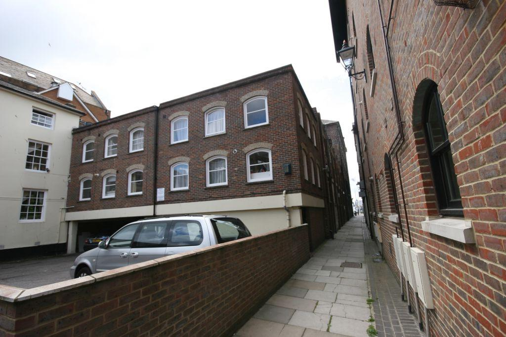 2 Bedrooms Mews House for sale in off Poole Quay, Poole