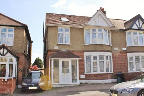 4 bedroom semi-detached house to rent - Woodville Road, South Woodford