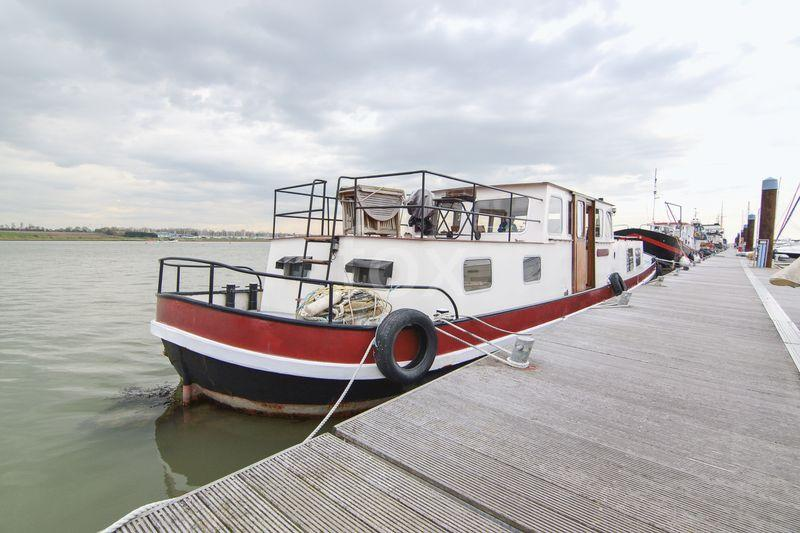 1 Bedroom House Boat Character Property for sale in Noordezon, Dutch Barge, Great Wakering,