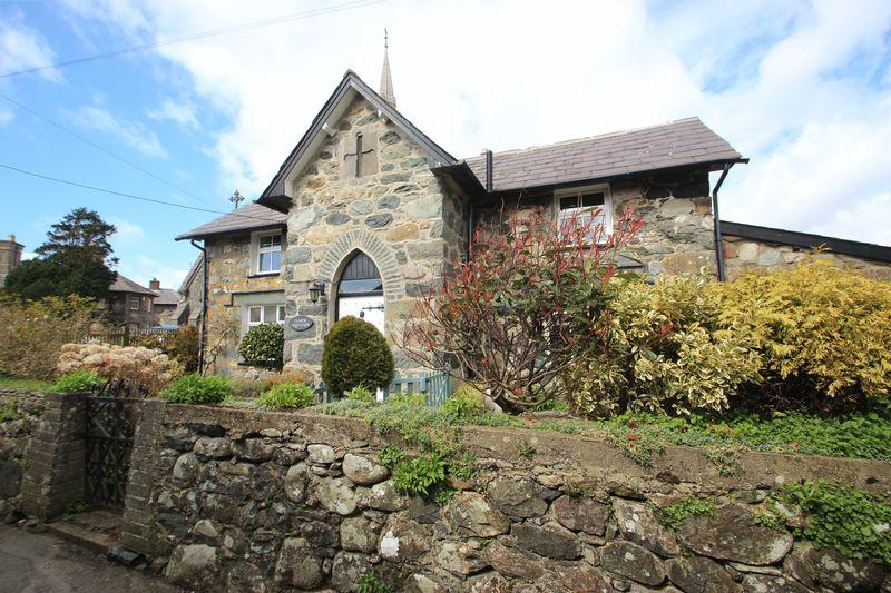 4 Bedrooms Detached House for sale in Llandwrog, Gwynedd