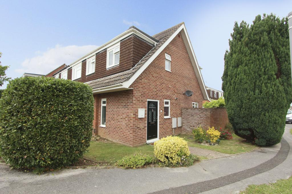 4 Bedrooms Semi Detached House for sale in Precosa Road, Botley SO30
