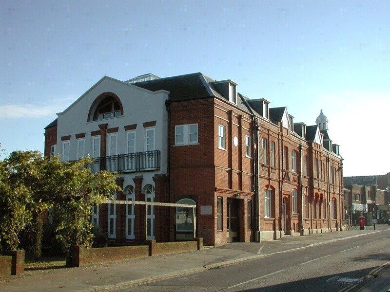 2 Bedrooms Flat for sale in Sevenoaks House, Dartford Road, Sevenoaks, Kent, TN13