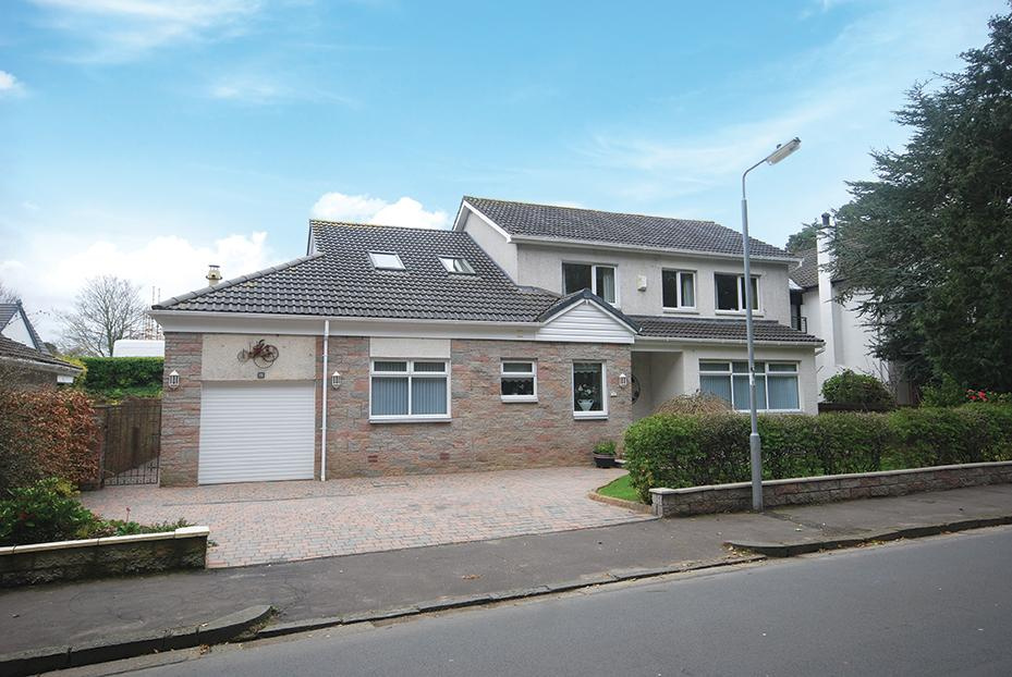 4 Bedrooms Detached Villa House for sale in 22 Burness Avenue, Alloway, KA7 4QB