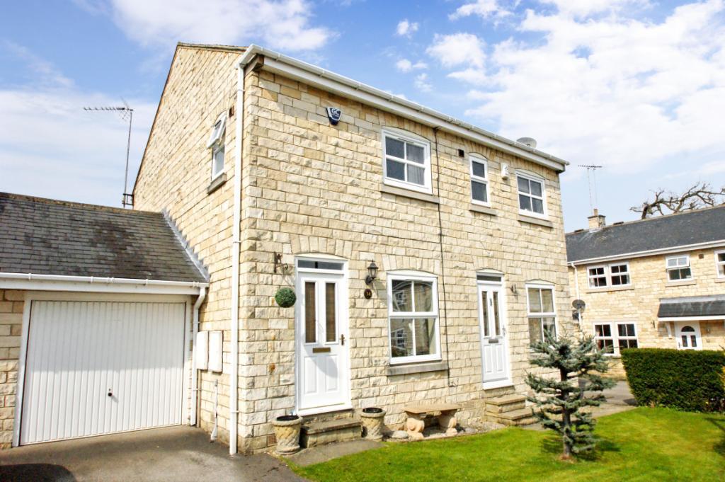 2 Bedrooms Semi Detached House for sale in Parlington Villas, Aberford, Leeds, West Yorkshire
