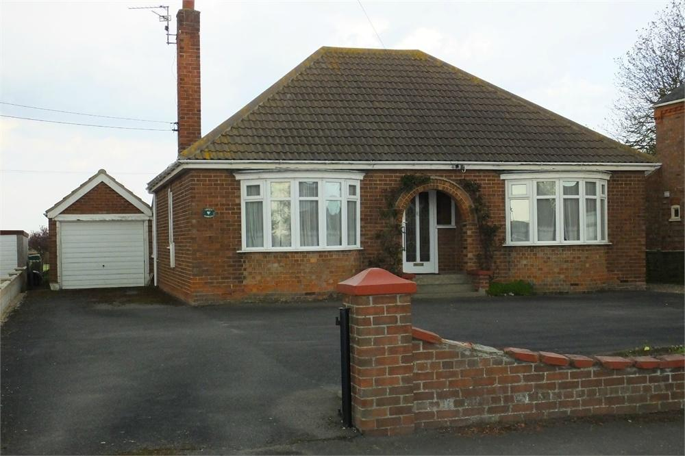 2 Bedrooms Detached Bungalow for sale in Station Road, Swineshead, Boston, Lincolnshire