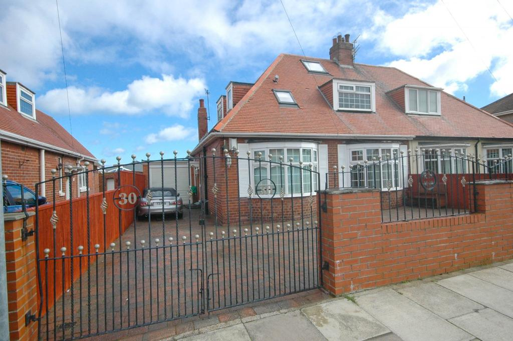 3 Bedrooms Bungalow for sale in Hemsley Road, South Shields