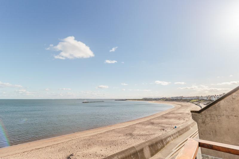 4 Bedrooms Detached House for sale in Beach View, Sea View Lane, Newbiggin By The Sea, Northumberland