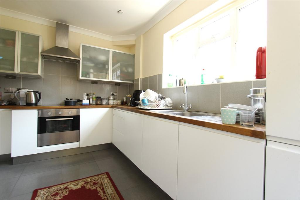 3 Bedrooms Detached House for sale in Barn Way, Wembley, Greater London, HA9