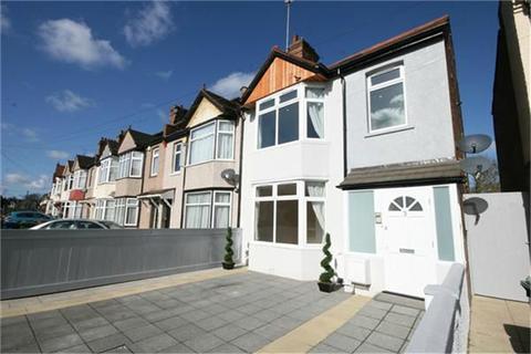 2 bedroom apartment to rent - Warrington Road, Harrow, Greater London, HA1