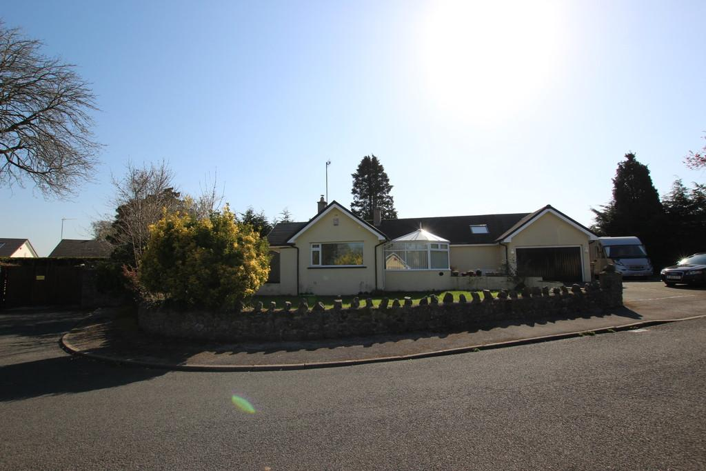 3 Bedrooms Detached Bungalow for sale in 14 Levens Way, Silverdale