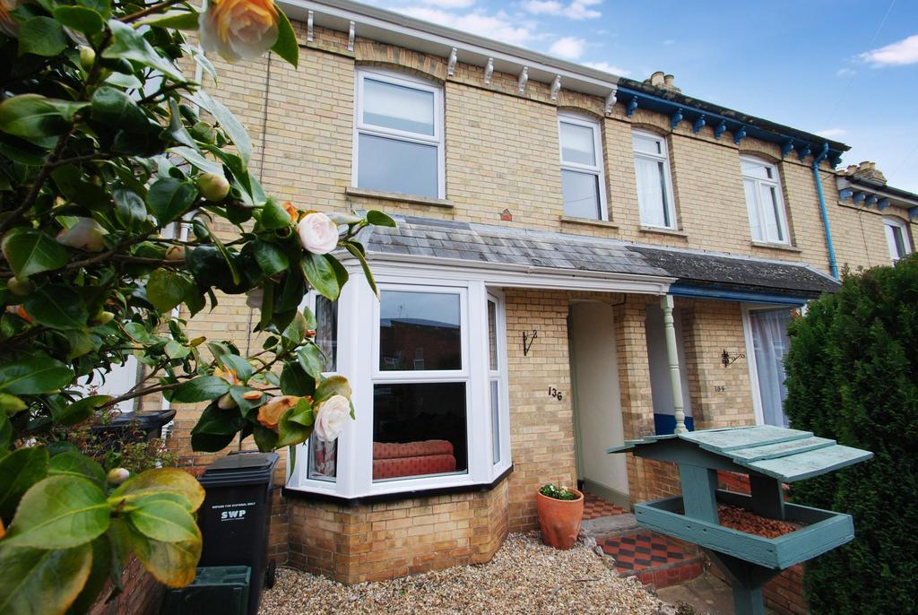 2 Bedrooms Terraced House for sale in Cheddon Road, Taunton