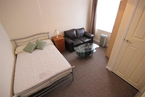 Studio to rent - May Road, Brighton