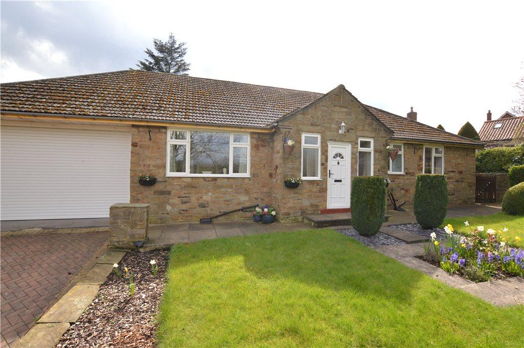 2 Bedrooms Detached Bungalow for sale in Brandy Carr Road, Kirkhamgate, Wakefield, West Yorkshire
