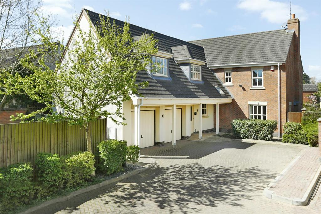 5 Bedrooms Detached House for sale in Stretton Road, Great Glen, Leicester