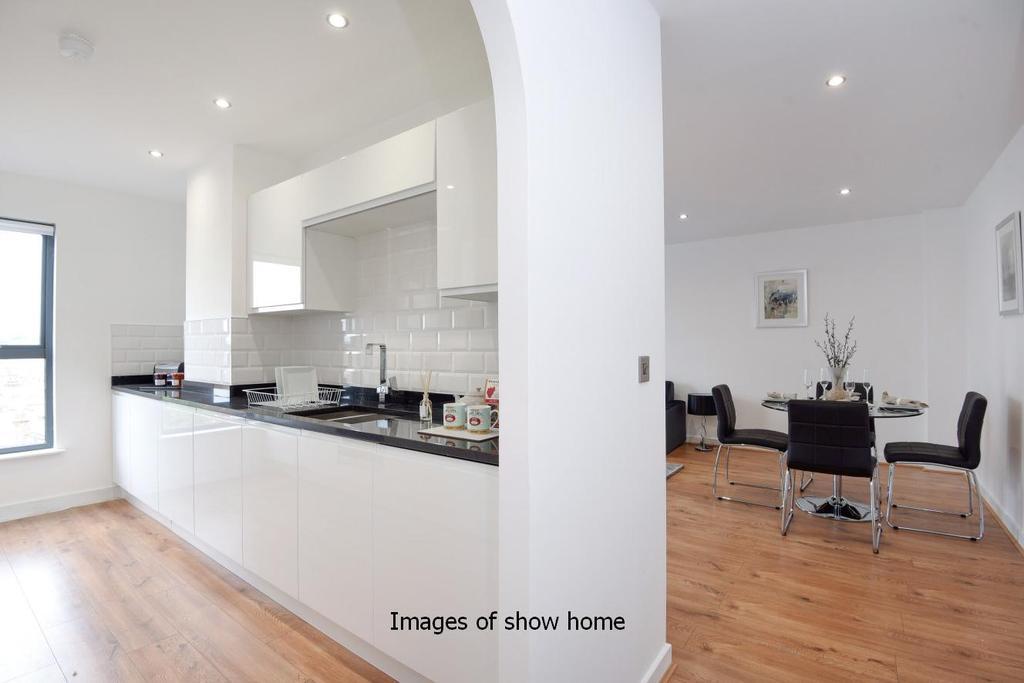 2 Bedrooms Flat for sale in Milner Road, Wimbledon, SW19