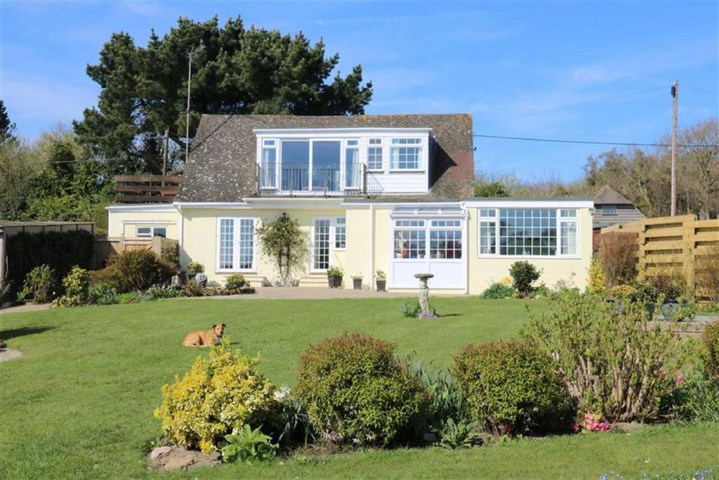 4 Bedrooms Detached House for sale in Coastguard Lane, Fairlight, East Sussex